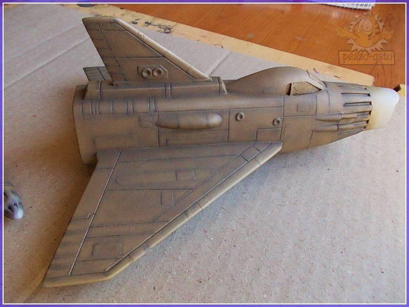 SKY-1 (ufo s.h.a.d.o.), terminado 15-11-12 71SKY-1ufopeazo-gato