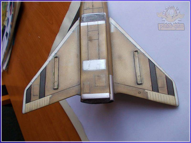 SKY-1 (ufo s.h.a.d.o.), terminado 15-11-12 80SKY-1ufopeazo-gato