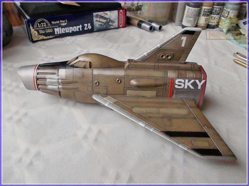 SKY-1 (ufo s.h.a.d.o.), terminado 15-11-12 89ordmSKY-1ufopeazo-gato