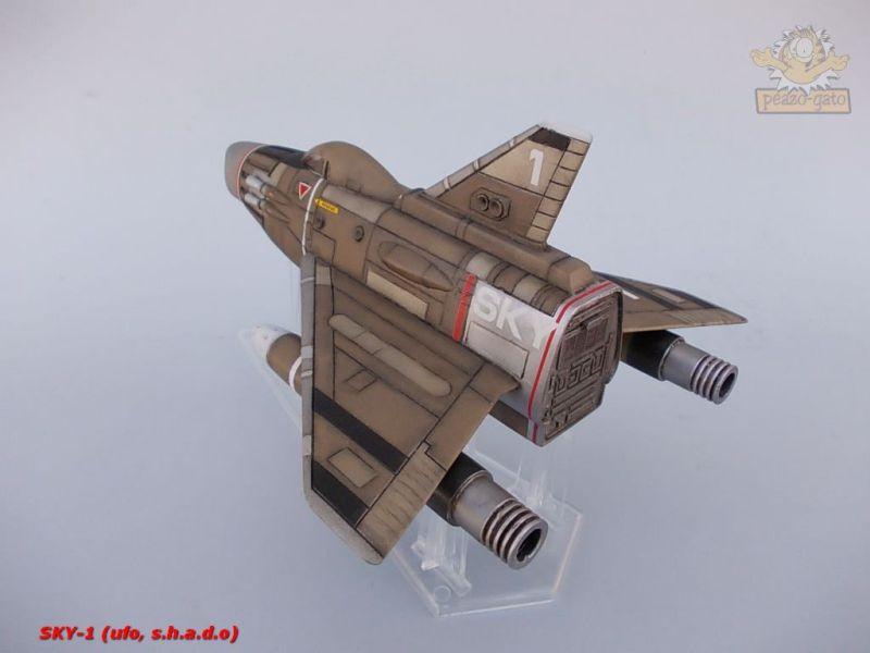 SKY-1 (ufo s.h.a.d.o.), terminado 15-11-12 106SKY-1ufopeazo-gato