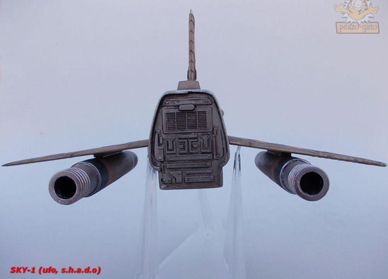 SKY-1 (ufo s.h.a.d.o.), terminado 15-11-12 107SKY-1ufopeazo-gato