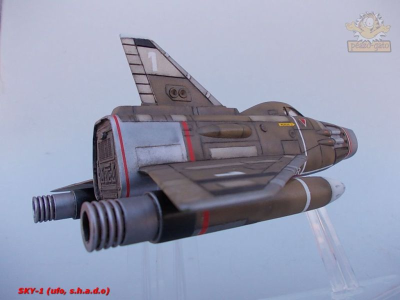 SKY-1 (ufo s.h.a.d.o.), terminado 15-11-12 108SKY-1ufopeazo-gato