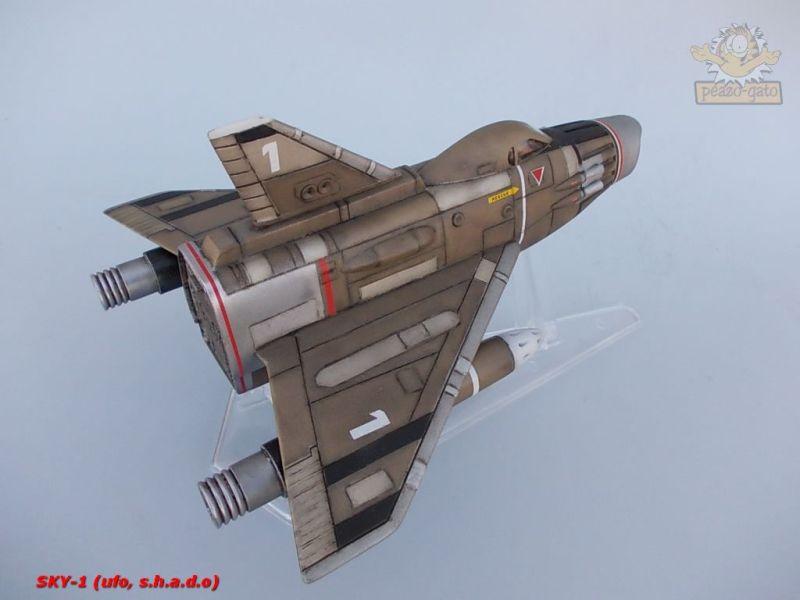 SKY-1 (ufo s.h.a.d.o.), terminado 15-11-12 109SKY-1ufopeazo-gato