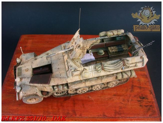 SD.KFZ 251/10 ausf B , DAK 144SdKFZ251-10peazo-gato