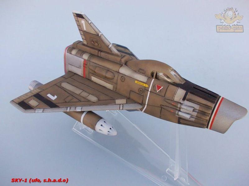 SKY-1 (ufo s.h.a.d.o.), terminado 15-11-12 96SKY-1ufopeazo-gato
