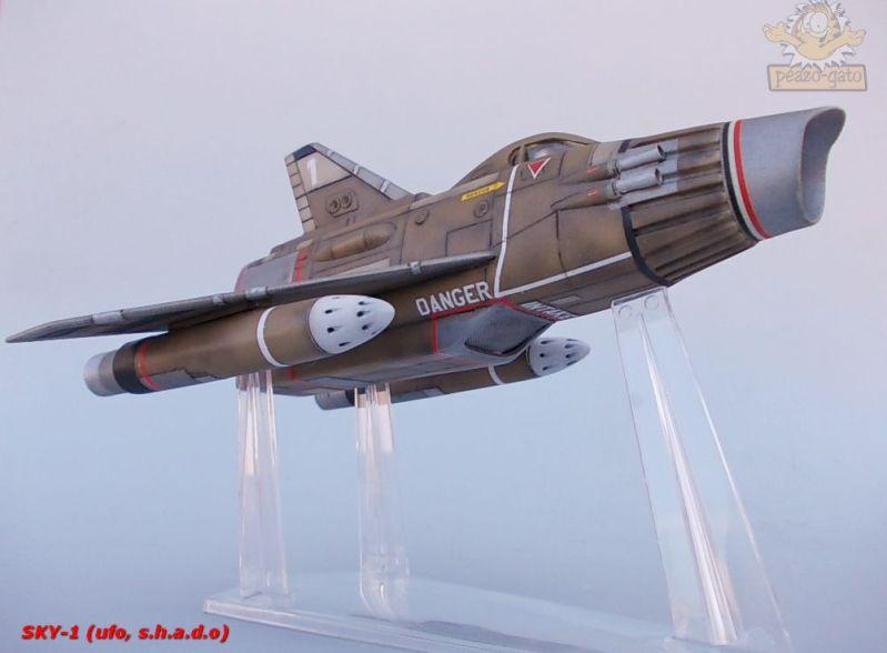 SKY-1 (ufo s.h.a.d.o.), terminado 15-11-12 97SKY-1ufopeazo-gato