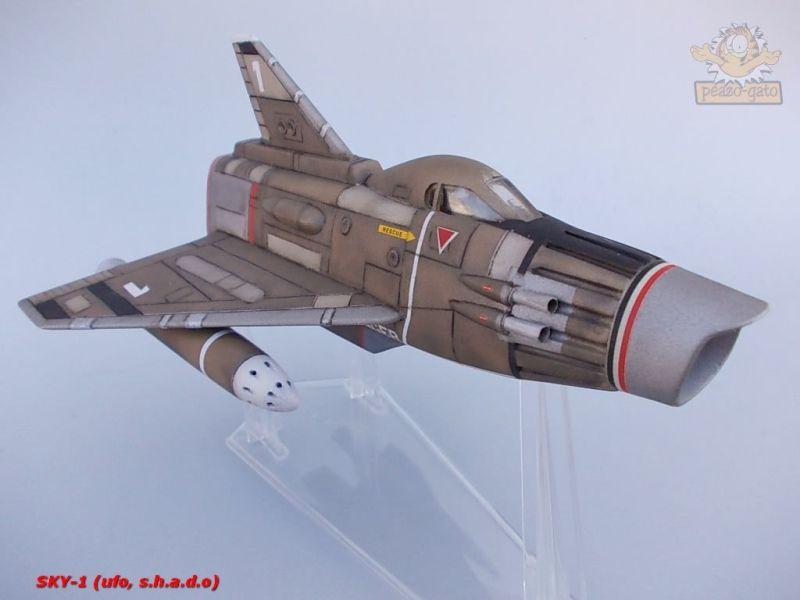 SKY-1 (ufo s.h.a.d.o.), terminado 15-11-12 98SKY-1ufopeazo-gato