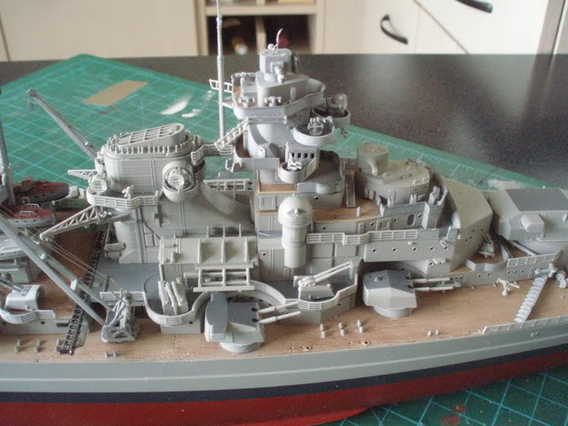 bismarck 1/350 revell - Page 4 P1010103_01
