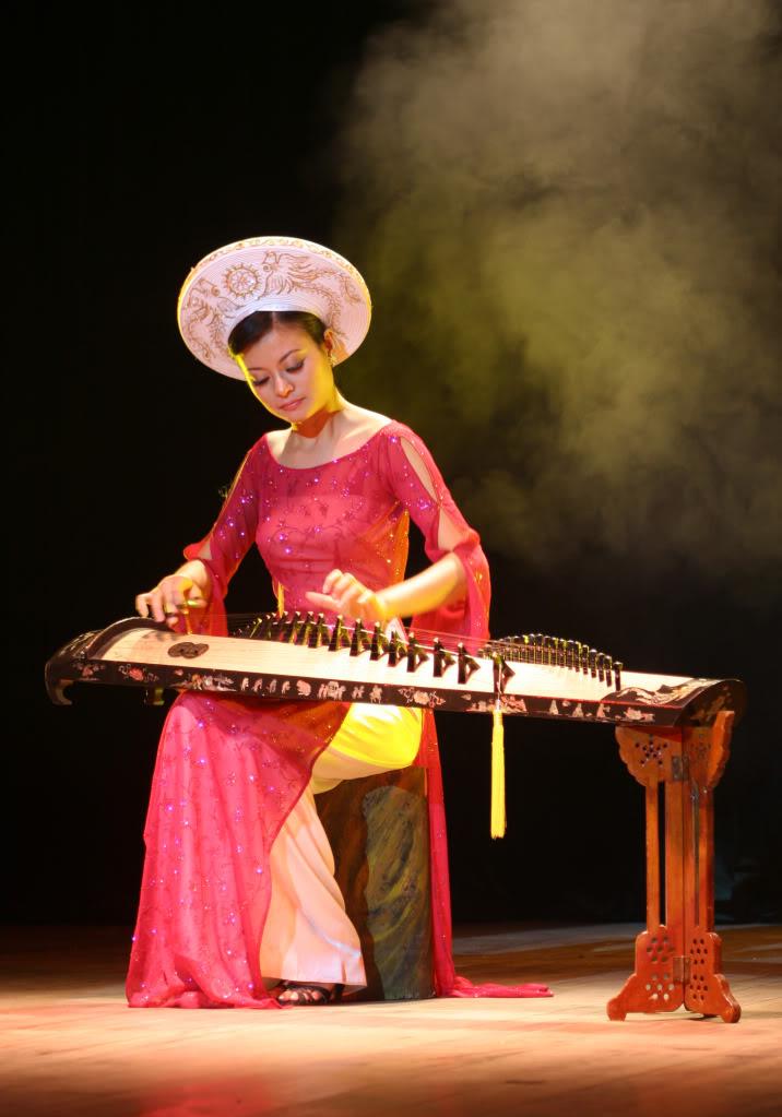 Nhạc cụ dân tộc Dantranh