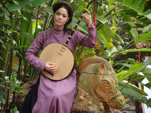 Nhạc cụ dân tộc Nguyet2
