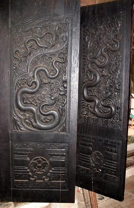 Điêu khắc rồng VN Canh-cua-chua-Pho-Minh