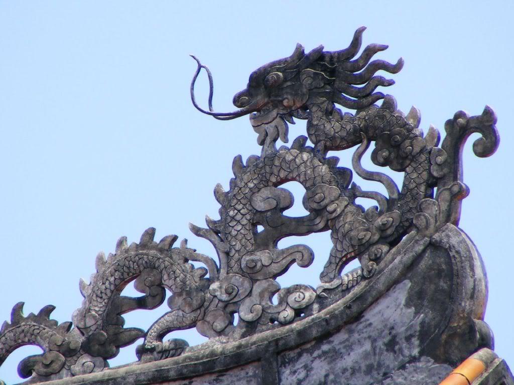 Điêu khắc rồng VN Roof_detail_dragon