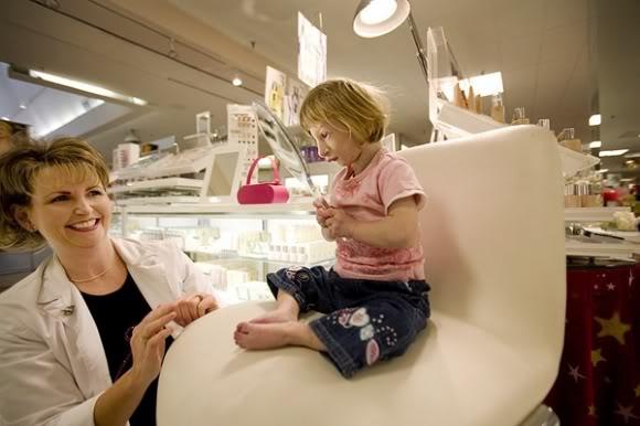 World's Smallest Girl 10-2
