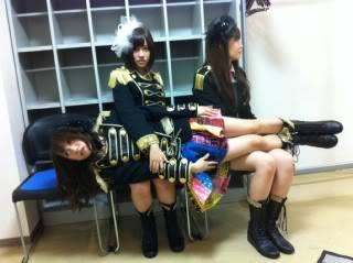 AKB48 - Page 2 Mariko-shinoda-2010-10-01T213833-3