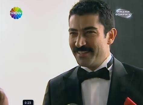 Ezel - serial turcesc difuzat pe  ATV  TR - Pagina 2 Ezel013
