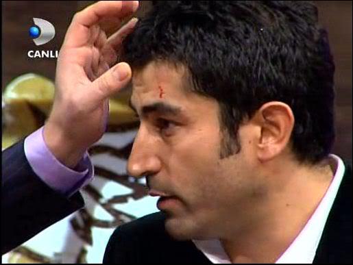 Ezel - serial turcesc difuzat pe  ATV  TR - Pagina 2 33