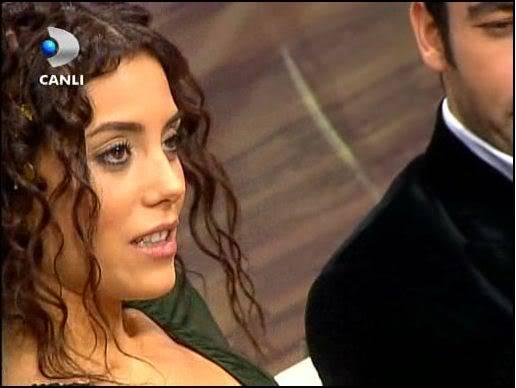 Ezel - serial turcesc difuzat pe  ATV  TR - Pagina 2 40