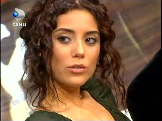 Ezel - serial turcesc difuzat pe  ATV  TR - Pagina 2 41