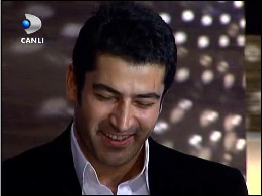 Ezel - serial turcesc difuzat pe  ATV  TR - Pagina 2 57