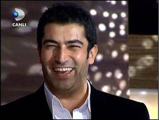 Ezel - serial turcesc difuzat pe  ATV  TR - Pagina 2 59