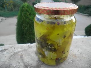 Μυρωδάτη φέτα σε λάδι 048
