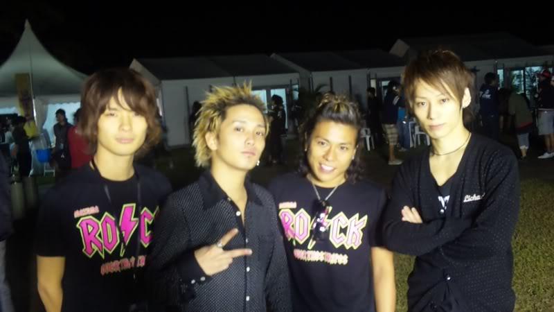 Un par de fotos del Inazuma Rock fes 2009!!! 2a01959qe01