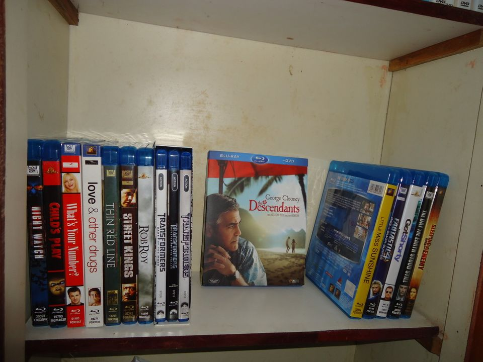 Post Pictures Of Your Home Video Collection DSC00304