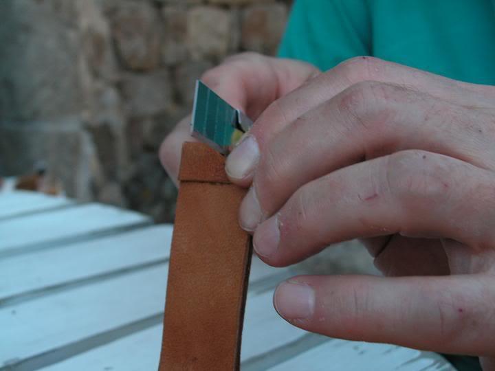 Tutorial : faire son propre bracelet Panerai (très long) Dcoupetrouboucle2