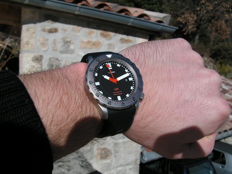 Sinn - [Revue] Sinn U1 (modern burner) Wristshot