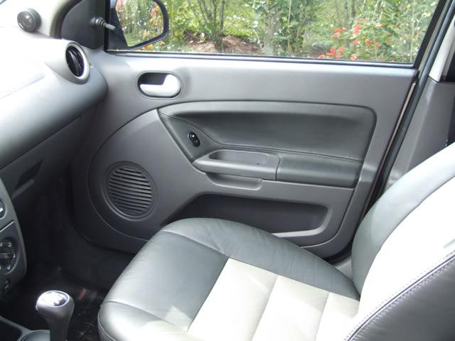 Pintando as Maçanetas Internas Fiesta Mk6 08