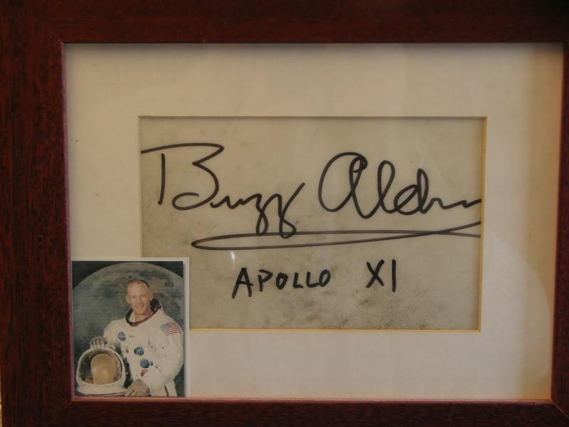 Neil Armstrong, La Speedmaster, la lune et son voisin - Page 2 KIF_5294
