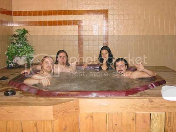 Pictures of the Band CristinaScabbiainhottub