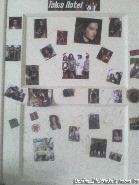 Pics of your bedroom! DSC00195