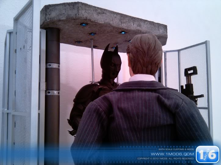 CUSTOM DU WEB - Page 6 1mod6-Batsuit-armory-Cage5