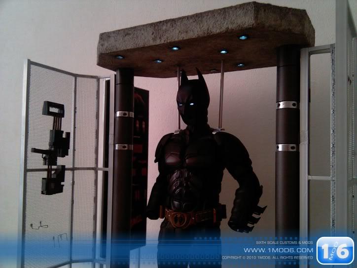CUSTOM DU WEB - Page 6 1mod6-Batsuit-armory-Cage8