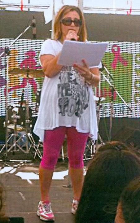 Οι πρώτες φωτογραφίες από την εγκυμονούσα Μαριάννα Τουμασάτου ~ gossip.tv (29/9/2010) Toymasatoy_2