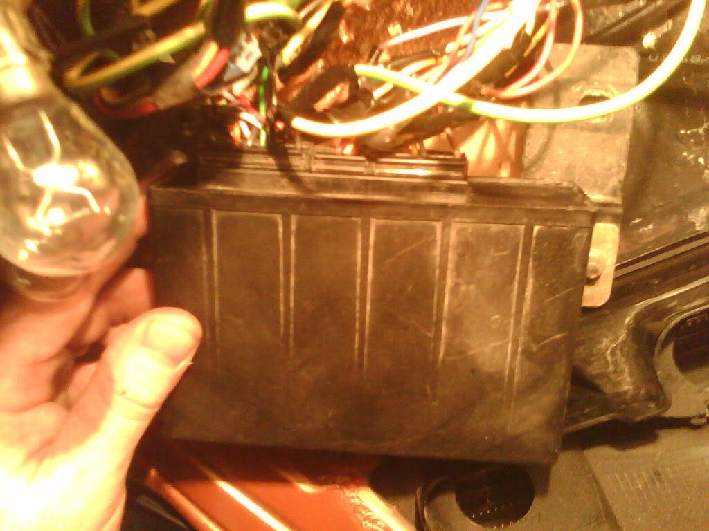 [ CAPOTA ] Brico : Abrir la capota con el motor en marcha IMAG0123