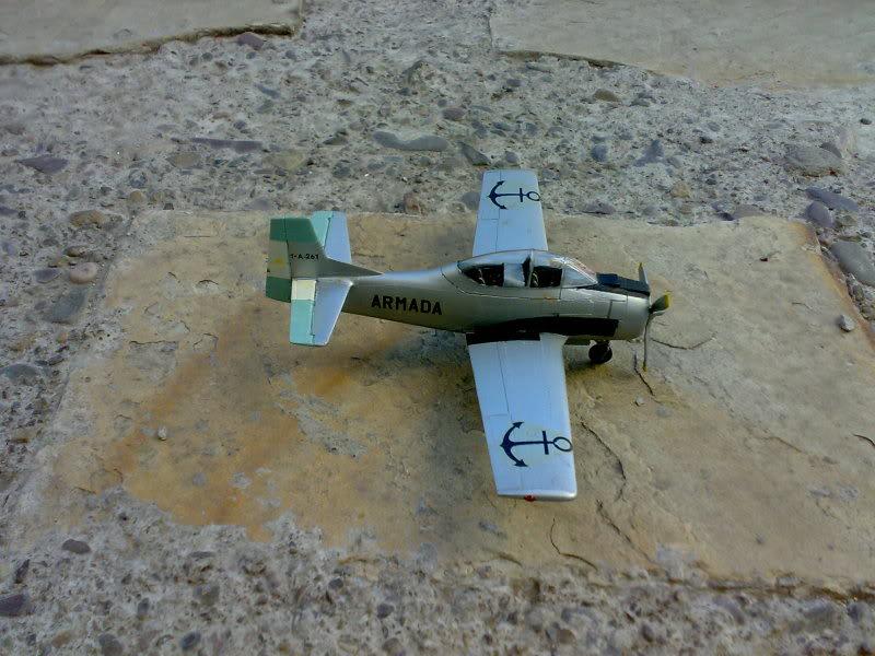 T-28 FENEC (ARGENTINO) 1/72 09112009204