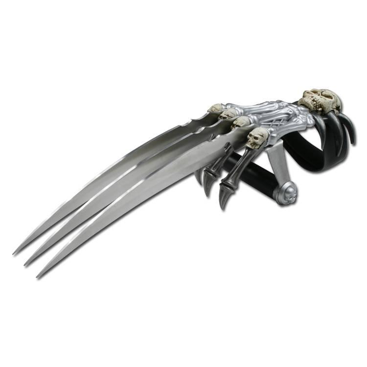 Weapons of Hikari naito Kurai nai  Clawknife