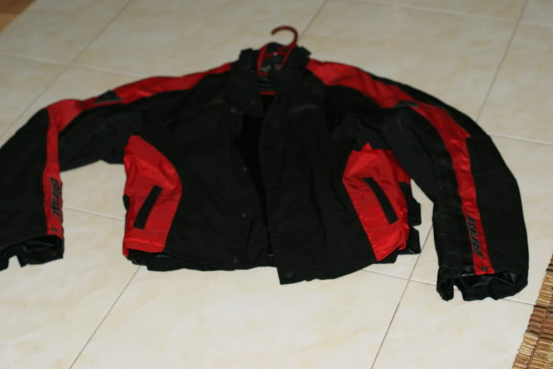 JAKET AND RIDING PANT: dainese d dry 2 piece riding suit rm490 [waterproof] DSC03294