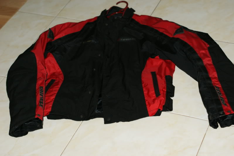 JAKET AND RIDING PANT: dainese d dry 2 piece riding suit rm490 [waterproof] DSC03297