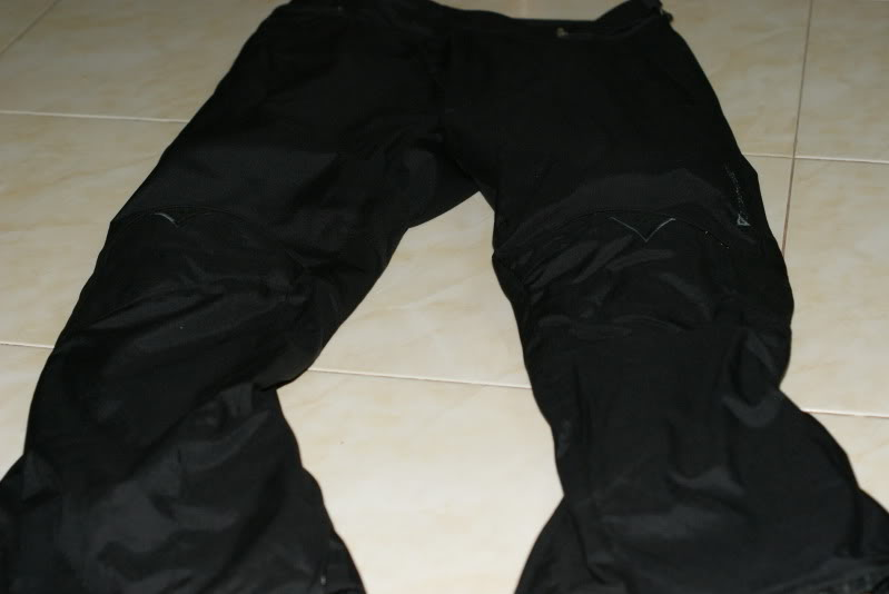JAKET AND RIDING PANT: dainese d dry 2 piece riding suit rm490 [waterproof] DSC03302