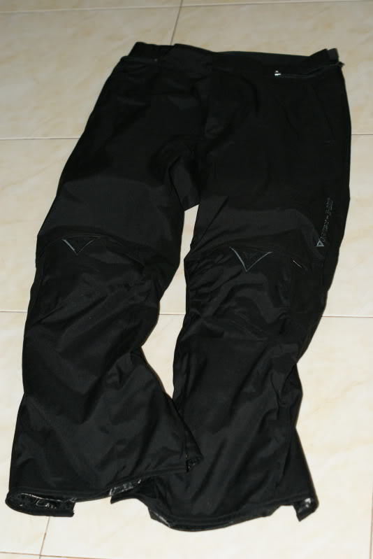 JAKET AND RIDING PANT: dainese d dry 2 piece riding suit rm490 [waterproof] DSC03303