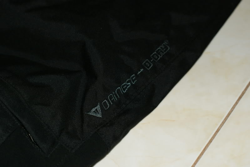 JAKET AND RIDING PANT: dainese d dry 2 piece riding suit rm490 [waterproof] DSC03304