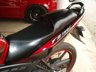 DESIGN A: HUMP REAR AND FLAT RIDER SEATING RM80 P7290505