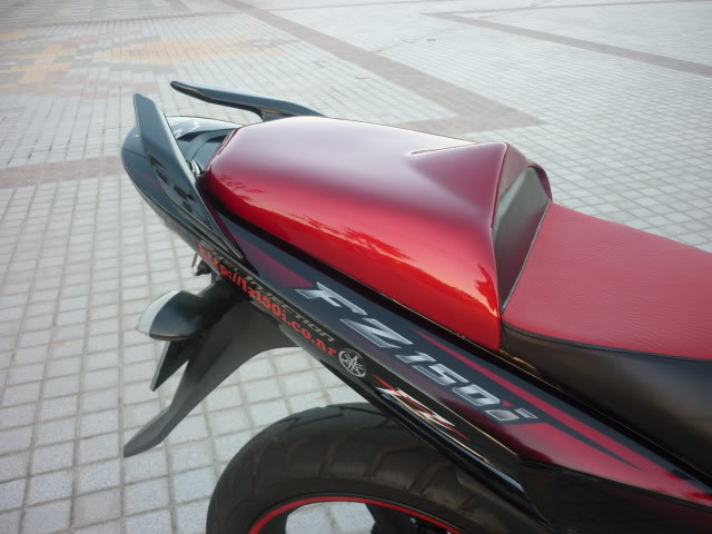 R15 Rear Seat Handle Rm130