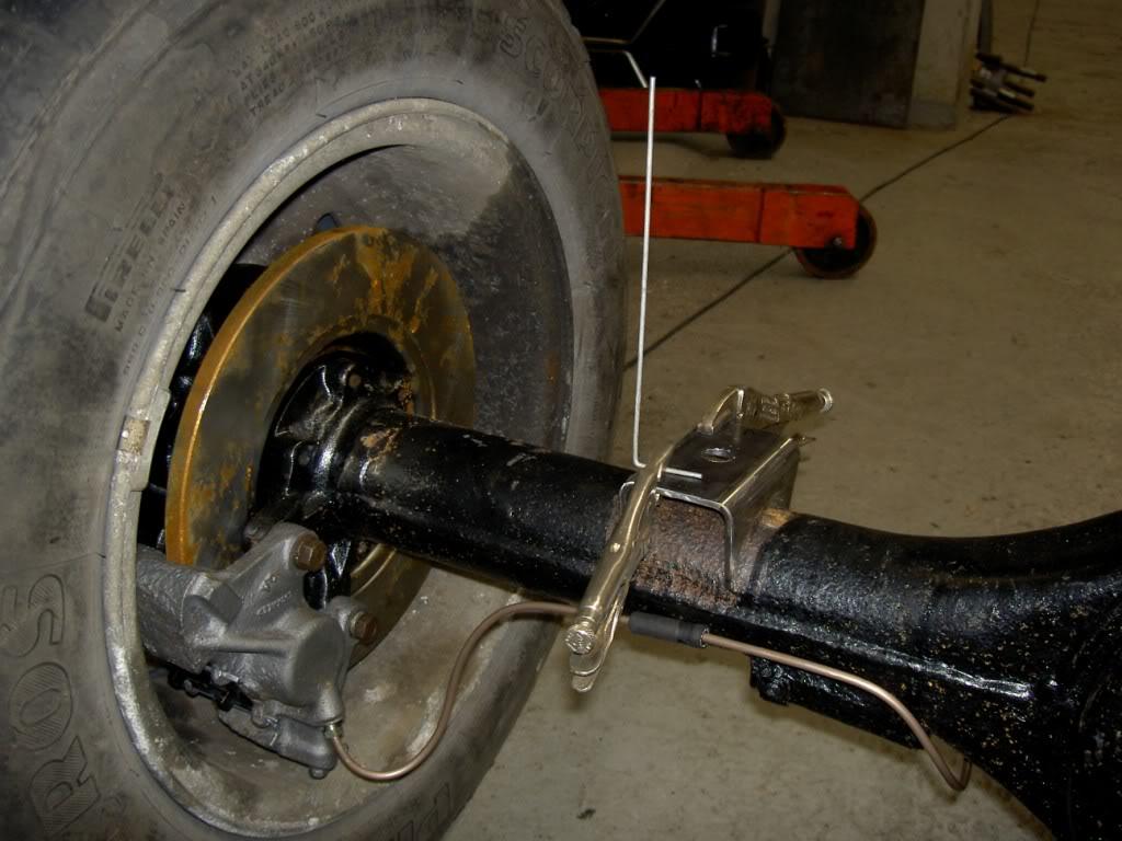 Des freins à disques pour nos Serie.... PICT0513