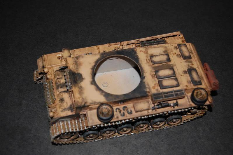 Flampanzer III (Dragon, 1/35) Debutpatinecaisse4