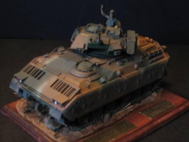 M2A1 Bradley M2a1socle1