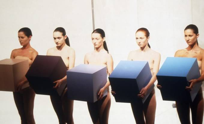 The Genius of Hussein Chalayan HC_AW98012a